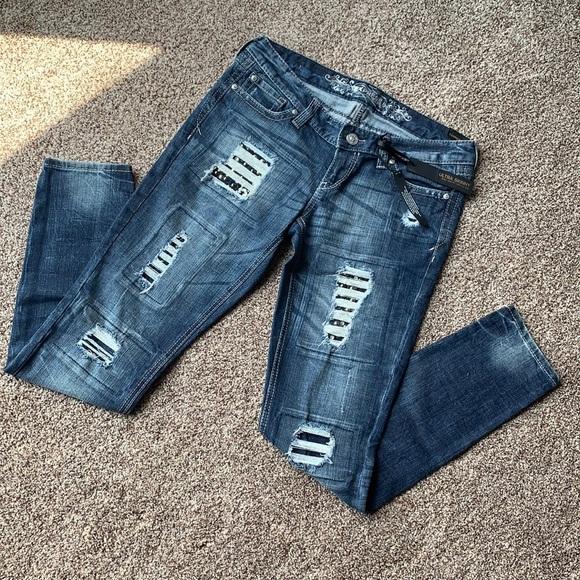 EXPRESS Ultra Skinny Zelda Ultra Low Rise Jeans